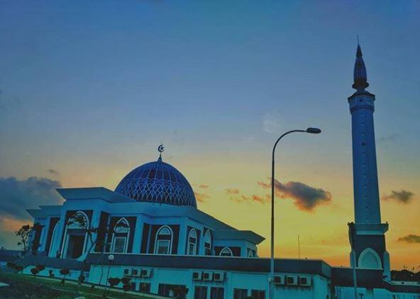 Masjid Raya Nur Ilahi Dompak