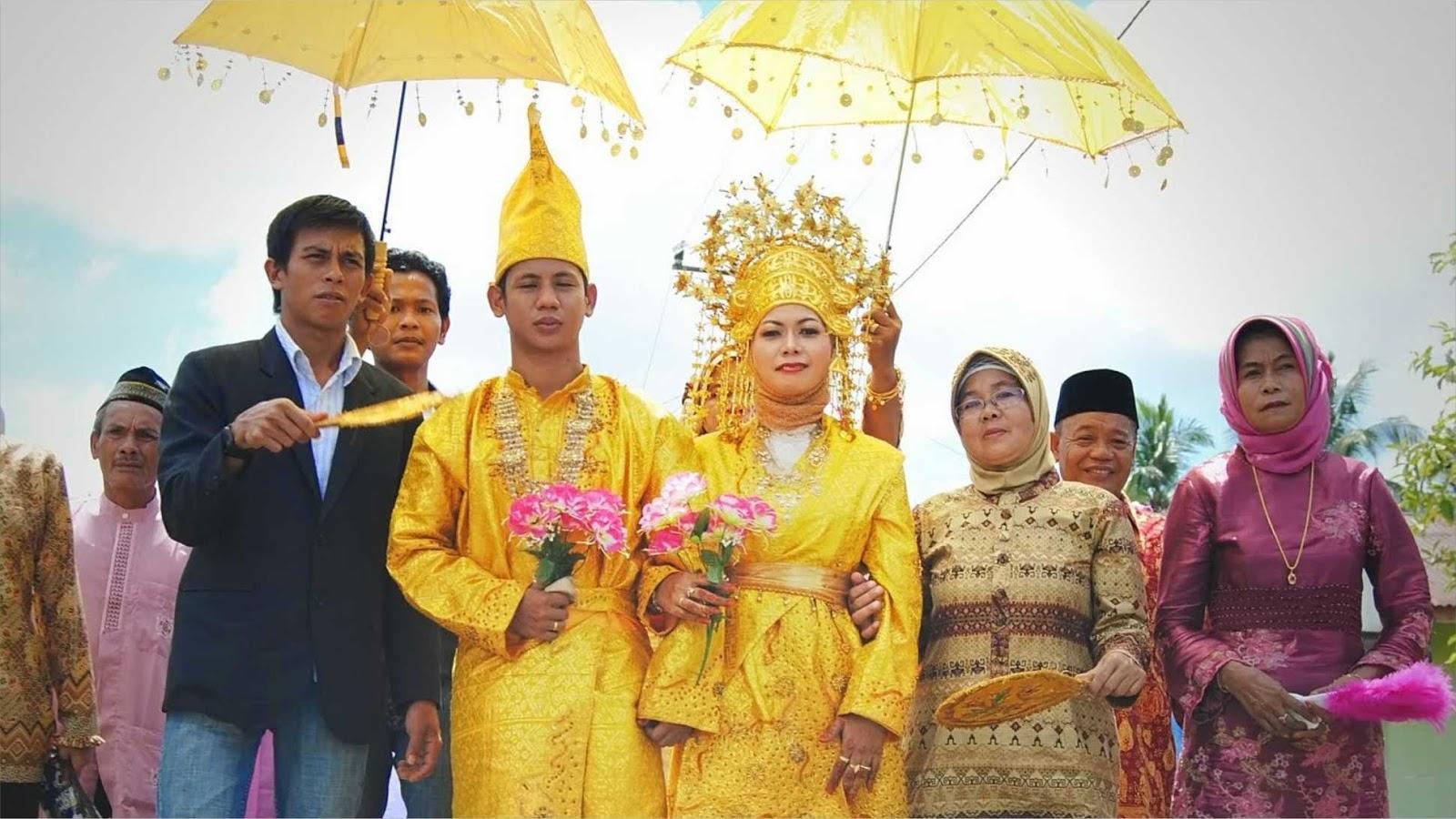 Pakaian Adat Riau Dan Kepulauan Riau